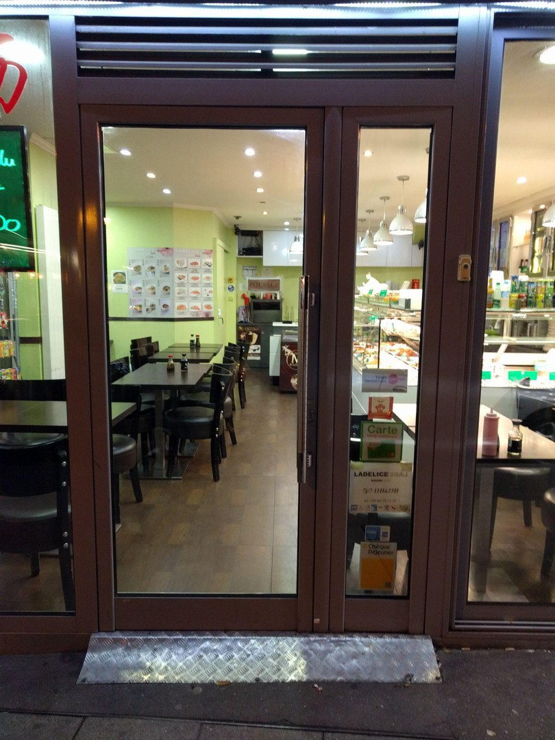 Foto vom 24. November 2017 20:31, Ladelice Sushi, 1 Rue Saint-Jacques, 75005 Paris, Frankreich