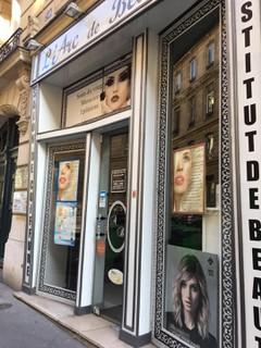 Foto vom 26. Juni 2018 06:16, L'arc De Beauté, 50 Rue Saint-Ferdinand, 75017 Paris, France