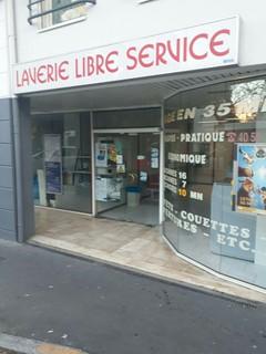 Foto vom 13. November 2017 16:43, Laverie Libre service, 1 Rue Hector Berlioz, 44300 Nantes, Francia