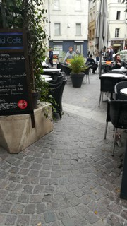 Foto vom 2. April 2018 09:12, Le Cid Café, 11 Place de l'Horloge, 84000 Avignon, France
