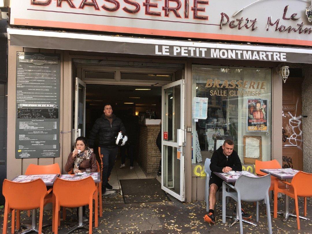 Foto vom 26. November 2016 14:09, Le Petit Montmartre, 17 Place Notre Dame du Mont, 13006 Marseille, Frankreich
