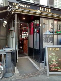 Foto del 20 de octubre de 2017 15:49, Le Pub Suresnes, 15 Place du Général Leclerc, 92150 Suresnes, Francia