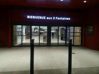Foto del 13 de noviembre de 2017 20:17, Les 3 Fontaines, Rue de la Croix des Maheux, 95000 Cergy, Frankreich