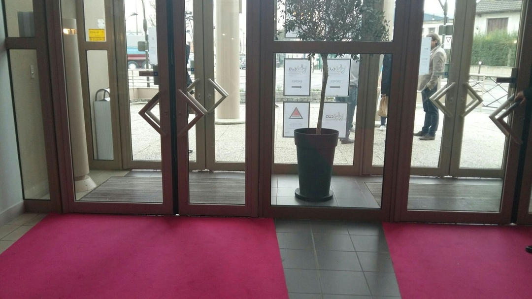 Photo of the March 10, 2017 10:34 AM, The event space Esselières, 3 Boulevard Chastenet de Géry, 94800 Villejuif, France