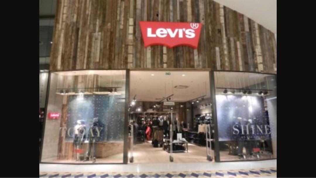 Photo du 13 novembre 2017 21:37, Levis, Boulevard Salvador Allende, 44811 Saint-Herblain, France