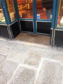 Photo of the February 2, 2017 2:08 PM, Librairie Henri Picard et Fils, 126 Rue du Faubourg Saint-Honoré, 75008 Paris, Francia