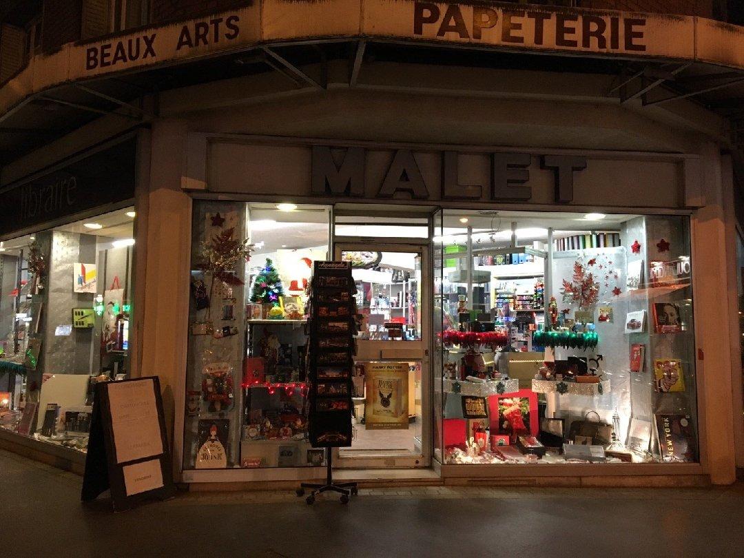 Photo du 1 décembre 2016 16:44, Librairie Papeterie Malet, 210 Boulevard Jean Jaurès, 92100 Boulogne-Billancourt, France