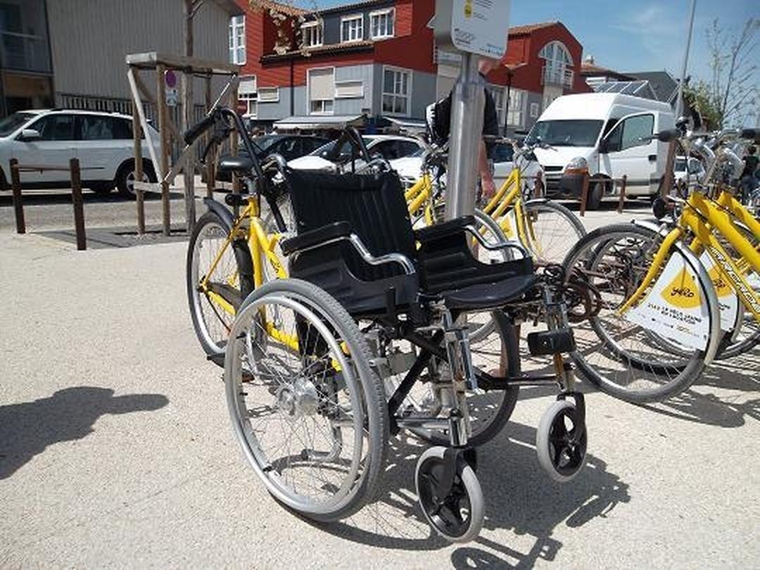 Transit Stop - Yelo jaune , La Rochelle