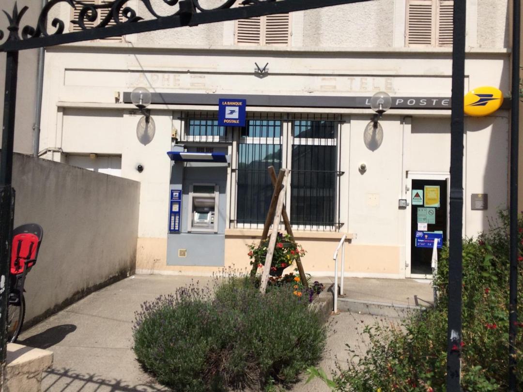 Photo du 22 juin 2017 09:10, MANDRES LES ROSES, 28 Rue du Général Leclerc, 94520 Mandres-les-Roses, France