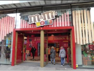 Foto del 2 de diciembre de 2016 9:41, M&M's World, Leicester Square, 1 Swiss Court, London W1D 6AP, Royaume-Uni