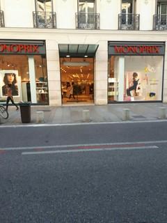 Foto vom 20. September 2017 16:26, Monoprix, 22 Rue de la République, 84000 Avignon, Frankreich