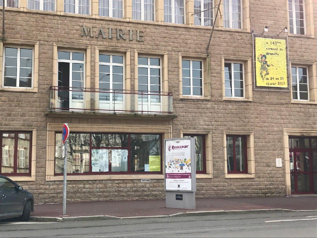 Foto del 10 de febrero de 2017 16:04, Mairie de Granville, Cours Jonville, 50400 Granville, Francia