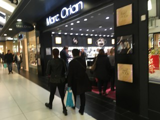 Foto vom 19. November 2017 00:47, Marc Orian, 75 Avenue Montaigne, 49100 Angers, France