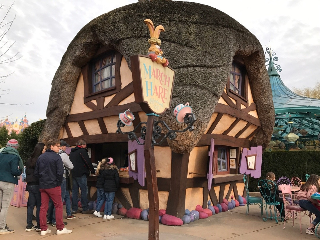 Foto vom 3. März 2017 15:13, March Hare Refreshments, Disneyland Paris, 77700 Chessy, Frankreich