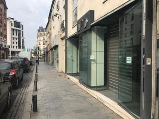 Photo of the July 5, 2018 6:57 AM, Maroquinerie L 2 D, 16 Rue du Général de Gaulle, 95880 Enghien-les-Bains, France
