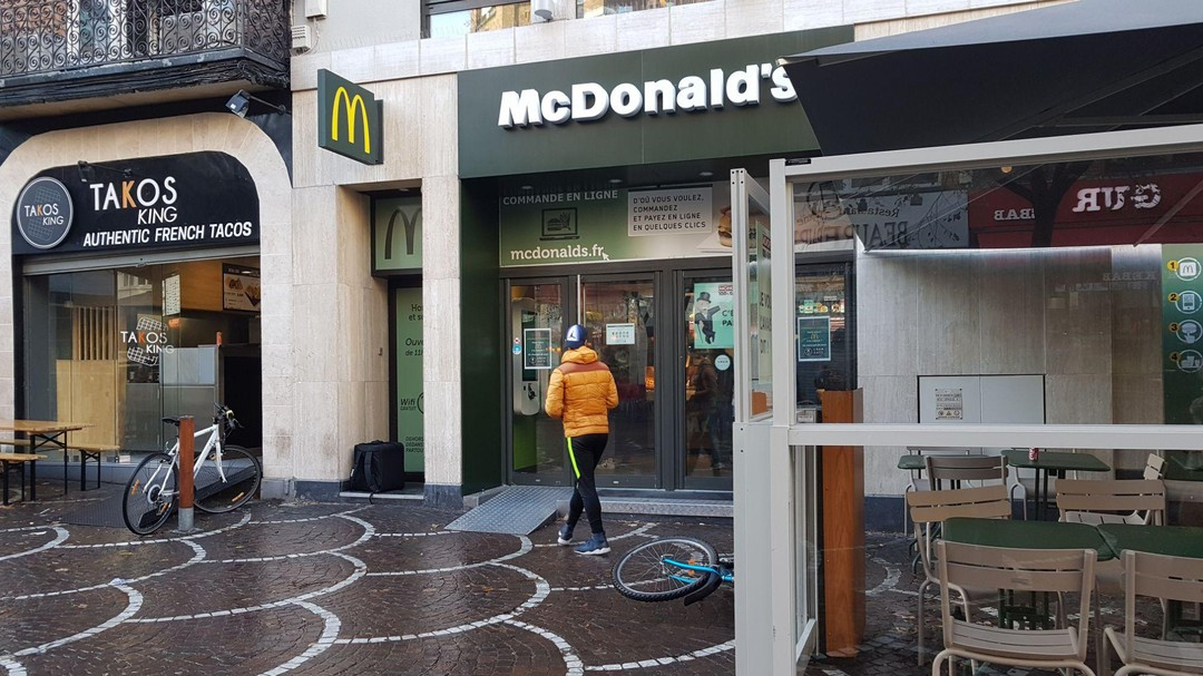 Photo du 22 octobre 2017 15:36, McDonald's, 10-12 Rue du Faubourg de Béthune, 59000 Lille, France