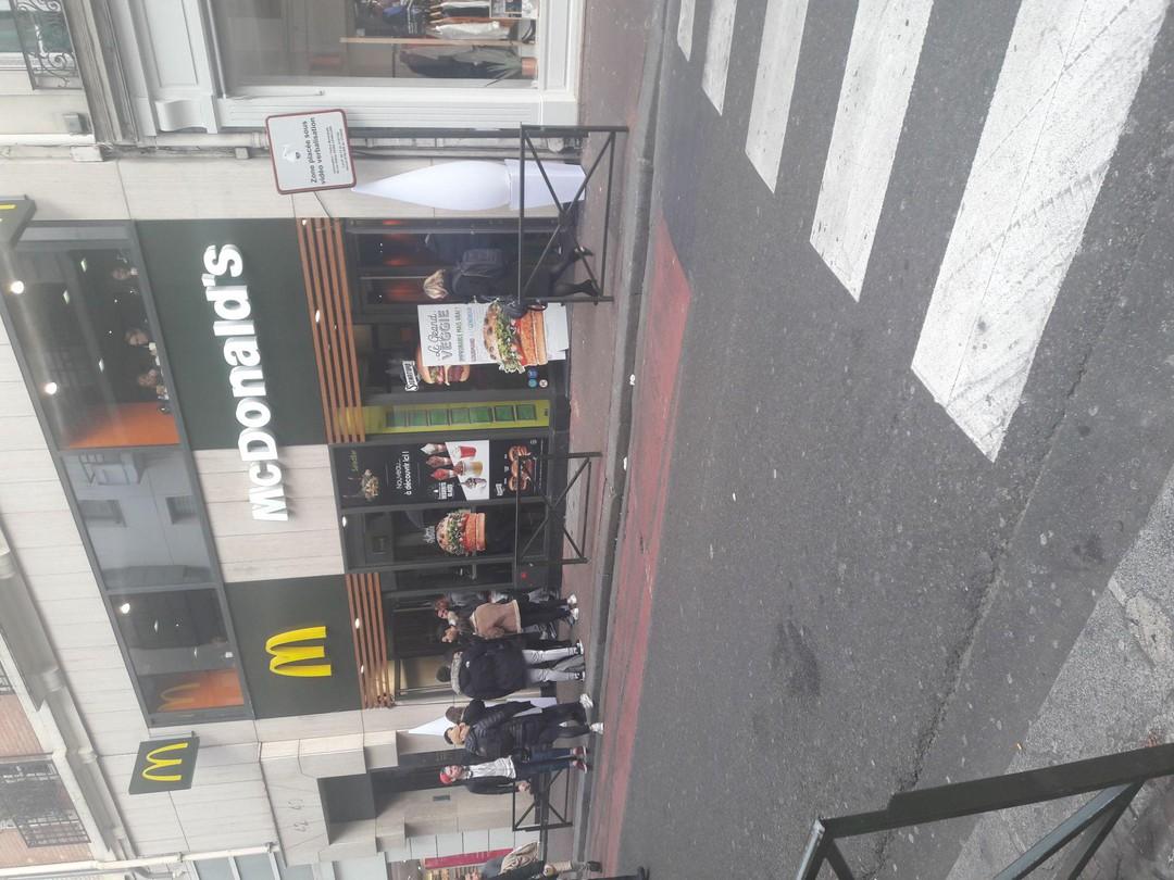 Photo of the November 16, 2017 11:47 AM, McDonald's, 40 Rue du Président Wilson, 92300 Levallois-Perret, France