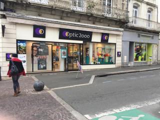 Foto vom 18. November 2017 08:27, Optic 2000 Sablé sur Sarthe, 2 Rue Carnot, 72300 Sablé-sur-Sarthe, France