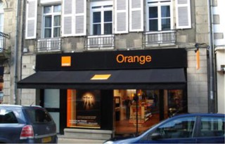 Foto vom 16. Oktober 2017 13:39, Orange, 46 Rue nationale, 56300 Pontivy, France