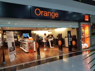 Foto del 11 de julio de 2017 20:22, Boutique Orange, AVENUE DE BOURGOGNE, CENTRE COMMERCIAL CARREFOUR, 21800 Quetigny, France