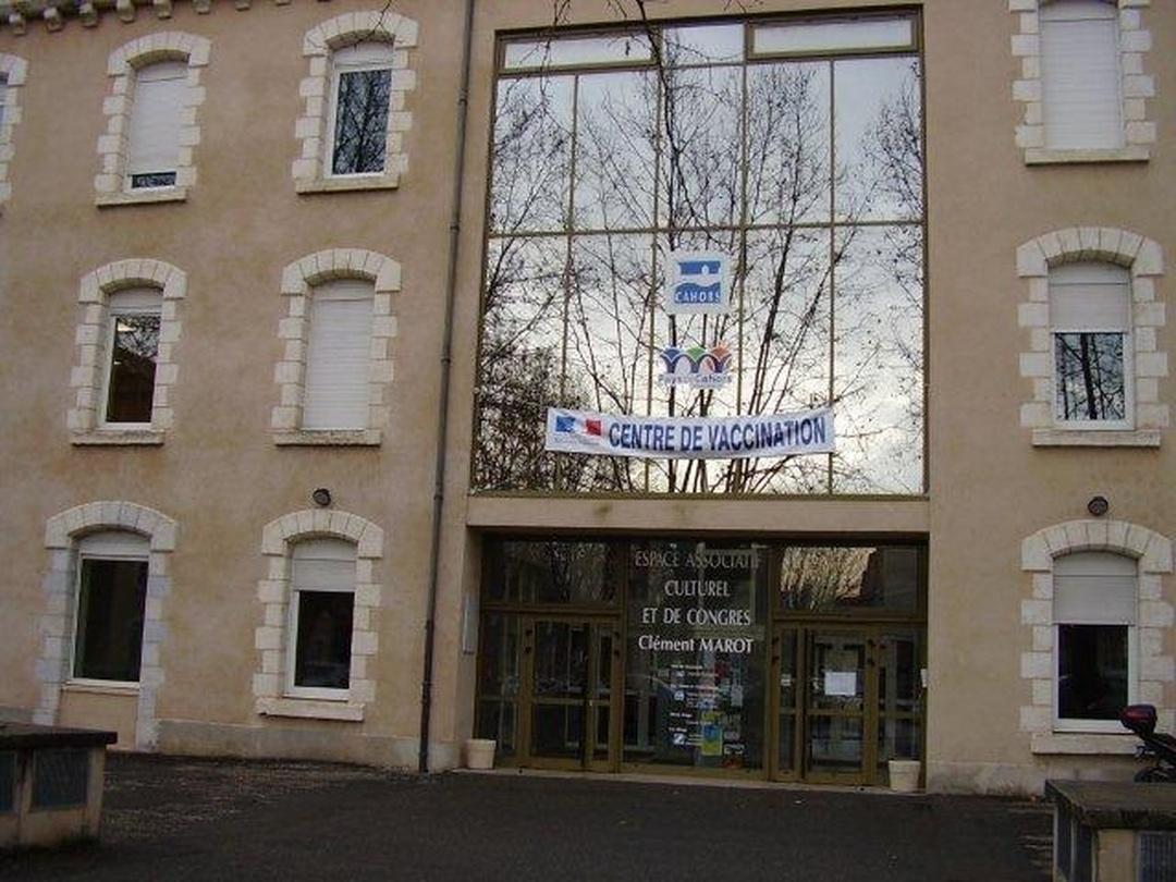 Foto del 5 de febrero de 2016 18:50, La maison des associations, place Bessières, 46000 Cahors, Francia