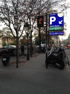 Foto vom 17. Oktober 2017 16:49, Parking Notre Dame, Parvis Notre-Dame - Pl. Jean-Paul II, 75004 Paris, France