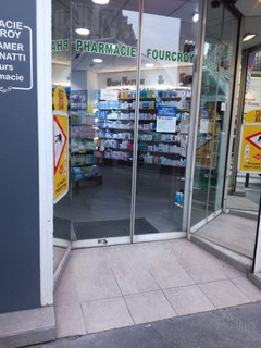 Photo of the November 16, 2017 12:56 PM, Pharmacie Fourcroy, 27 Rue Fourcroy, 75017 Paris, France