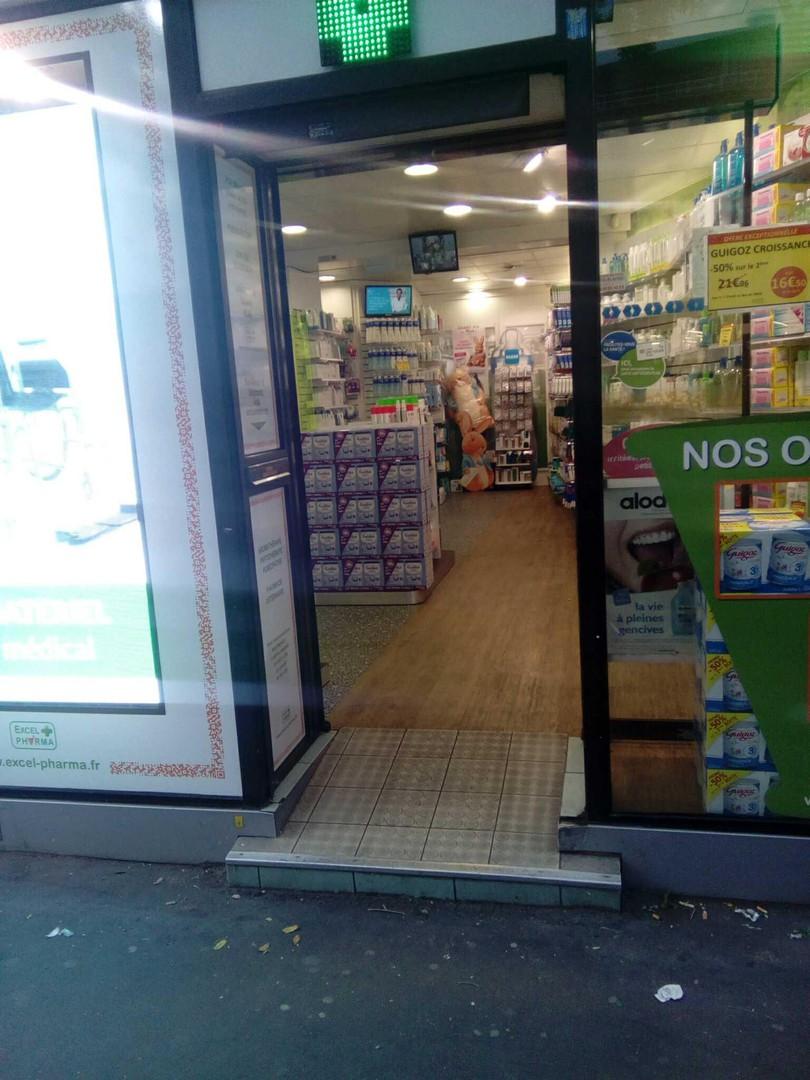 Foto vom 8. Februar 2018 16:02, Pharmacie Maraichers, 66 Rue des Pyrénées, 75020 Paris, Frankreich