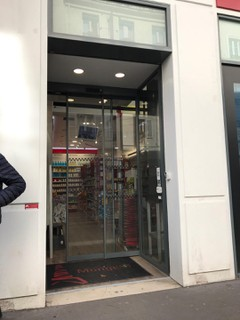 Photo of the April 6, 2018 9:09 AM, Pharmacie Monge Eiffel Commerce, 13-15-17 Rue du Commerce, 75015 Paris, France