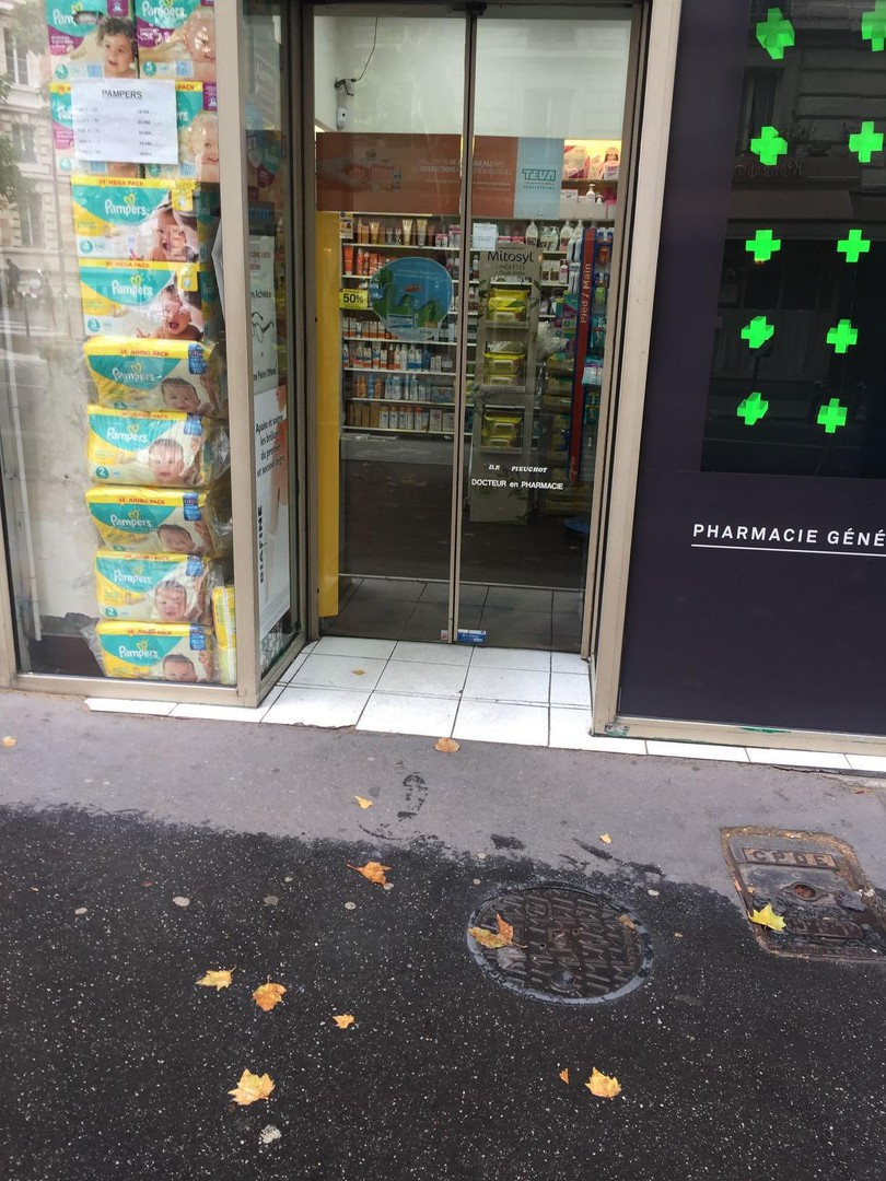 Photo du 20 mars 2018 14:58, Pharmacie de la Mairie, 1 Rue Armand Carrel, 75019 Paris, Francia