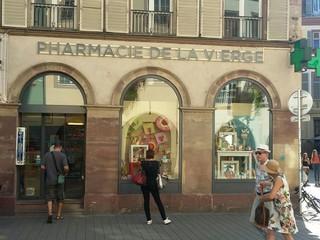 Foto del 13 de julio de 2018 14:59, Pharmacie de la Vierge, 42 Rue des Grandes Arcades, 67000 Strasbourg, France