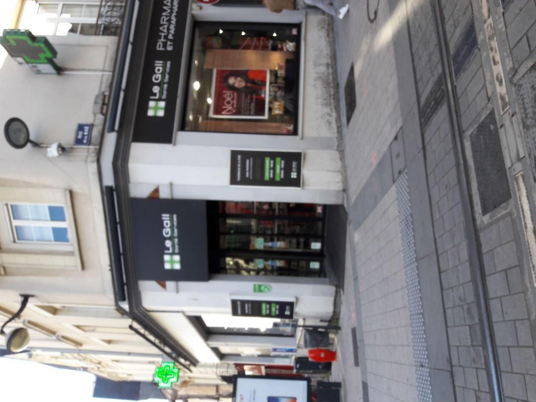 Foto vom 14. November 2017 12:48, Pharmacie des Halles, 78 Rue Baudrière, 49100 Angers, Frankreich