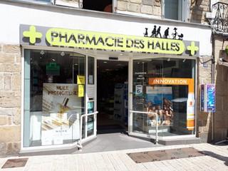 Foto del 24 de julio de 2018 13:03, Pharmacie des Halles, 48 Place de la République, 56400 Auray, France