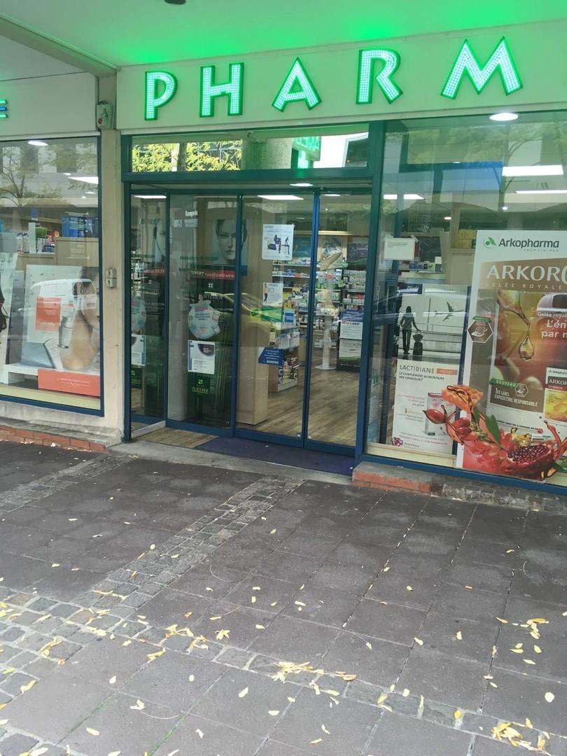 Foto vom 4. November 2017 10:04, Pharmacie du Village, 17 Rue Jacques Daguerre, 92500 Rueil-Malmaison, Frankreich