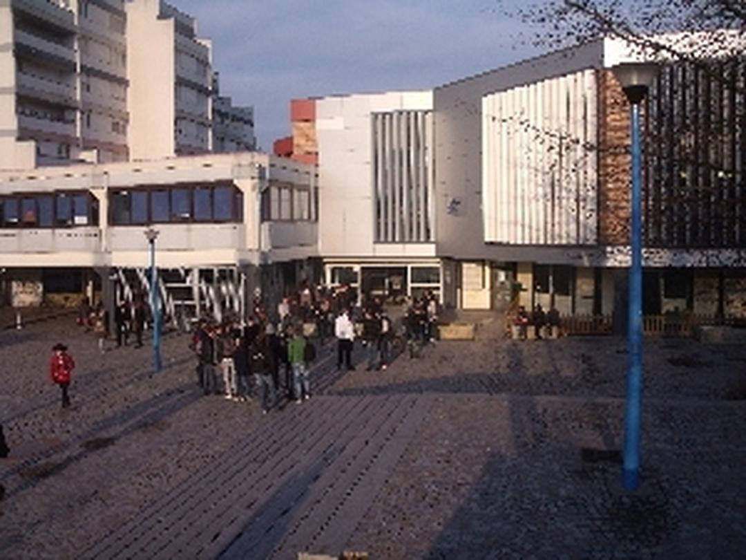 High School - Lycée Raymond Queneau , Villeneuve d'Ascq