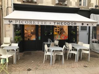 Foto del 22 de marzo de 2017 17:56, Picorette-Théodor, 22-24 Rue Saint-Sauveur, 50400 Granville, France