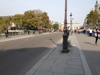 Photo du 17 octobre 2017 11:57, Puente de Arcole, 75004 París, Francia