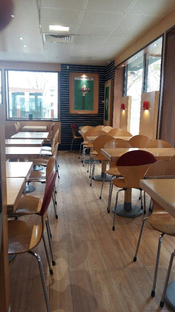 Foto del 2 de diciembre de 2016 10:42, McDonald's, Route de Nantes, 56860 Séné, Francia