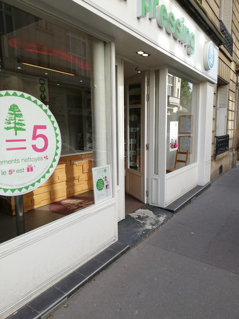 Foto vom 22. Juni 2018 15:44, Sequoia pressing volontaire, 24 Rue des Volontaires, 75015 Paris, France