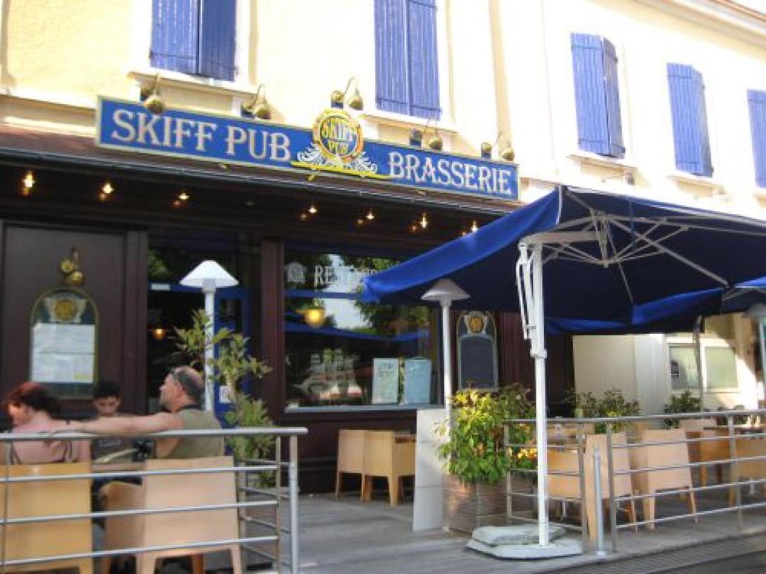 Foto del 3 de junio de 2017 18:40, Skiff Restaurant, Place Président Edouard Herriot, 73100 Aix-les-Bains, Francia