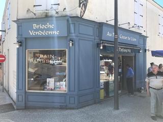 Foto vom 25. Mai 2017 10:14, Sorin Gilles Gilles, 19 Rue du Château, 85440 Talmont-Saint-Hilaire, France