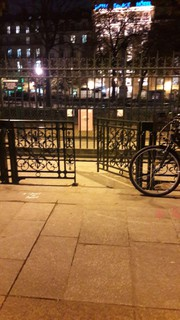 Foto del 16 de noviembre de 2017 17:40, Square Emile-Chautemps, Bis, 98 Boulevard de Sébastopol, 75003 Paris, France