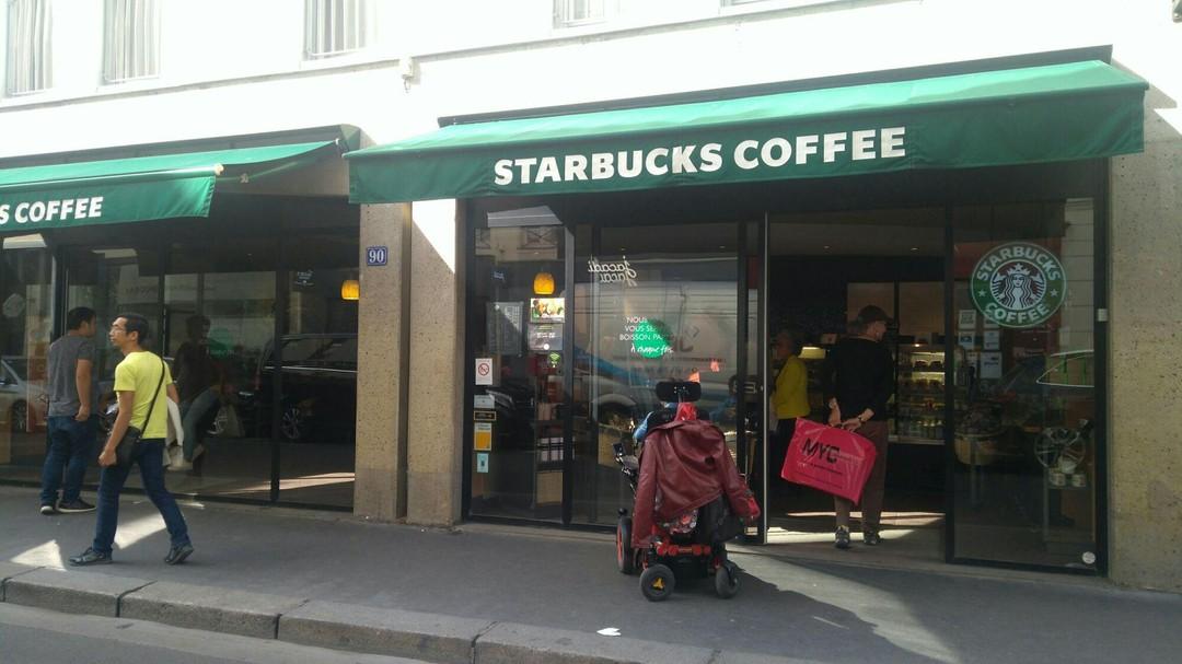 Foto vom 23. September 2017 13:42, Starbucks, 90 Rue Saint-Dominique, 75007 Paris, Frankreich