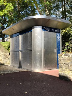 Photo du 4 octobre 2017 14:26, Toilettes publiques, 2 Rue Havin, Saint-Lô, France