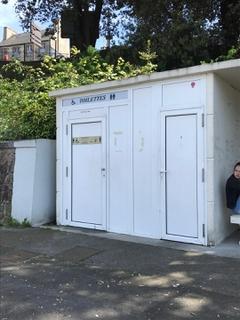 Photo du 21 mai 2017 14:38, Toilettes publiques, Place Pierre Semard, Granville, France