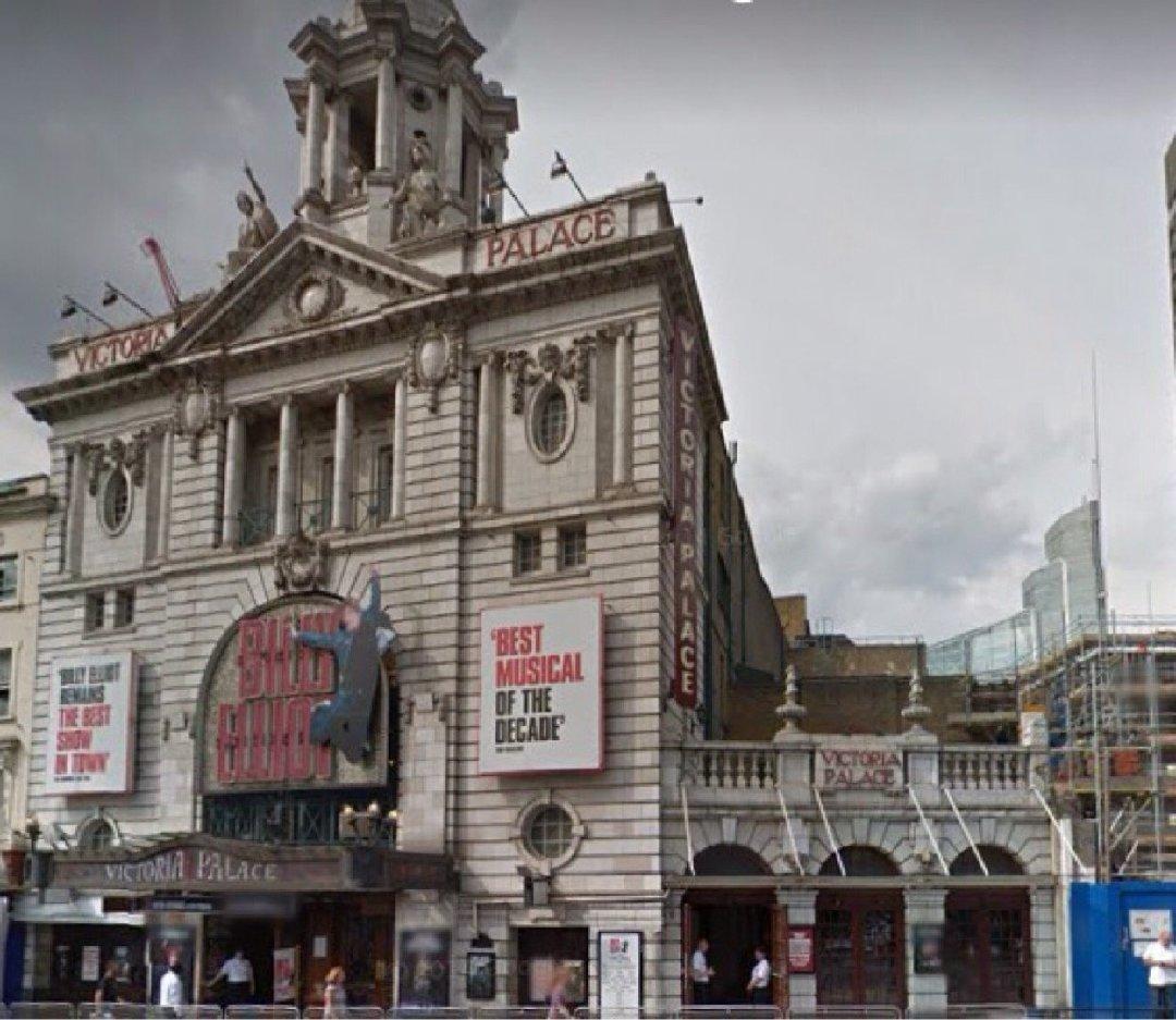 Photo du 2 décembre 2016 09:25, Victoria Palace Theatre, Victoria St, Westminster, London SW1E 5EA, UK
