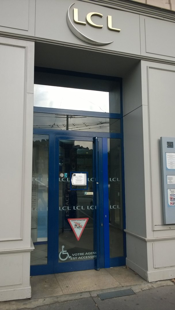 Foto del 6 de octubre de 2016 14:18, LCL Banque et Assurance, 1 Quai de la Pêcherie, 69001 Lyon, Francia
