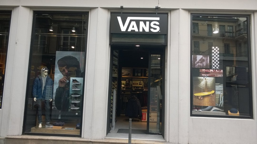 Photo du 6 octobre 2016 12:56, VANS Store Lyon, 2 Rue d'Oran, 69001 Lyon, France