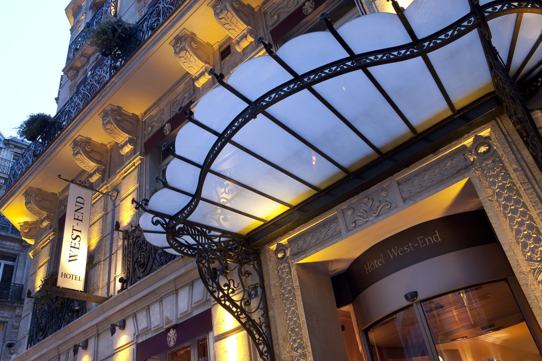 Foto vom 9. September 2016 13:04, Hotel West End, 7 Rue Clément Marot, 75008 Paris, Frankreich