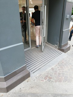 Foto del 13 de julio de 2018 16:37, Xiaomi, 39 Boulevard de Sébastopol, 75001 Paris, France